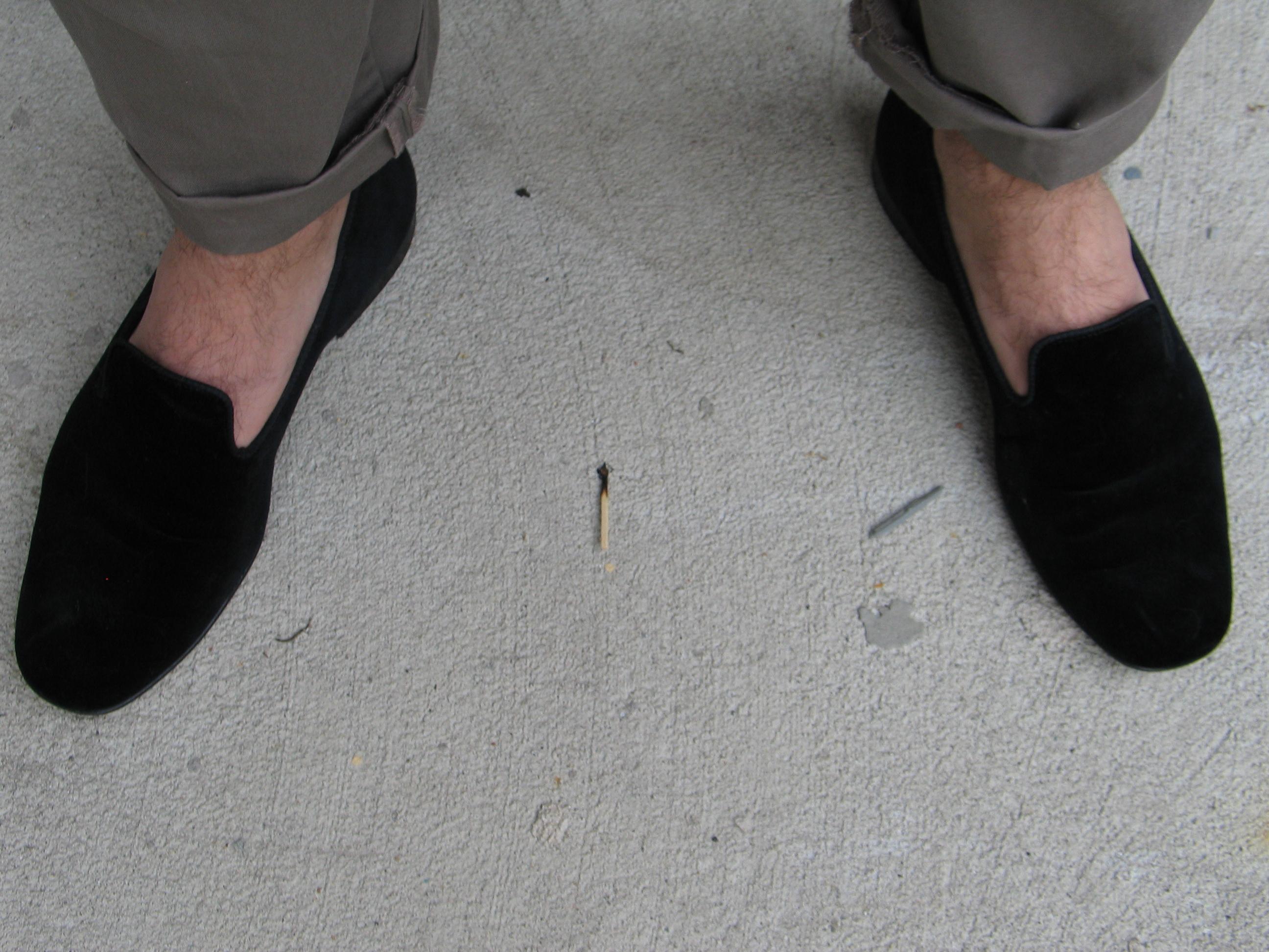 velvet slippers   dudeswholikethings
